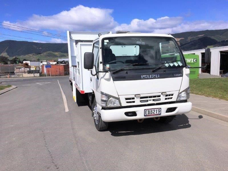 isuzu n series 640516 002