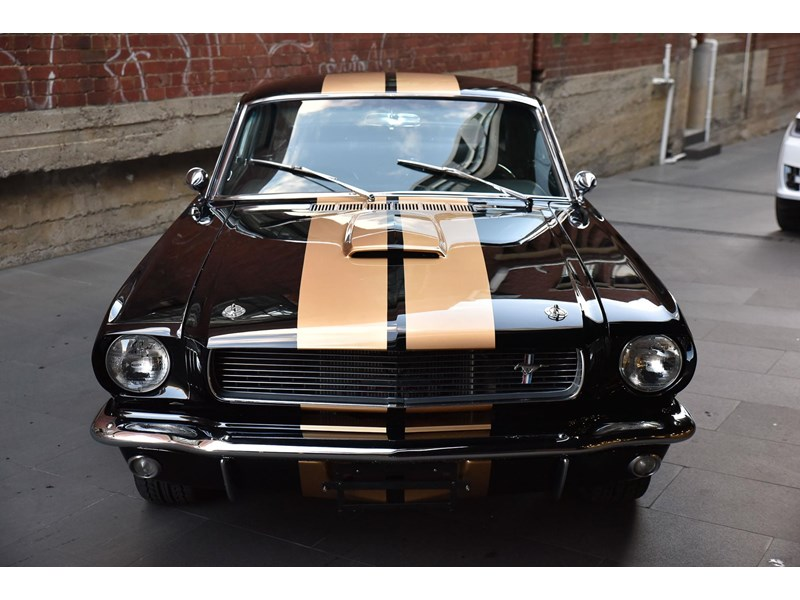 ford shelby g.t. 350 fastback 641663 004