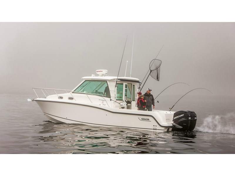 boston whaler 315 conquest pilothouse 294256 002