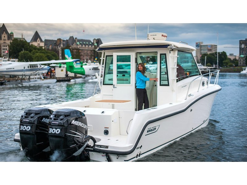 boston whaler 315 conquest pilothouse 294256 006