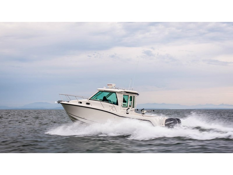 boston whaler 315 conquest pilothouse 294256 008