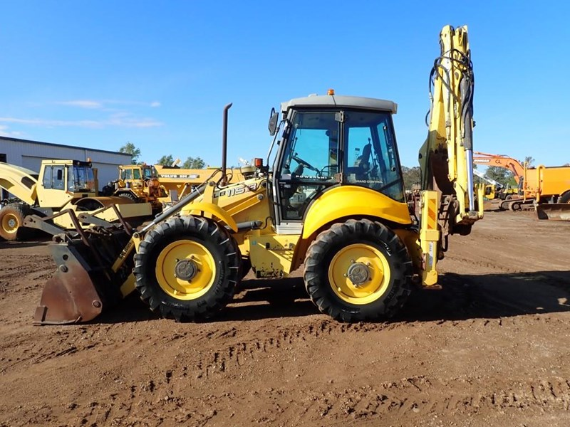 new holland lb115b 645104 002