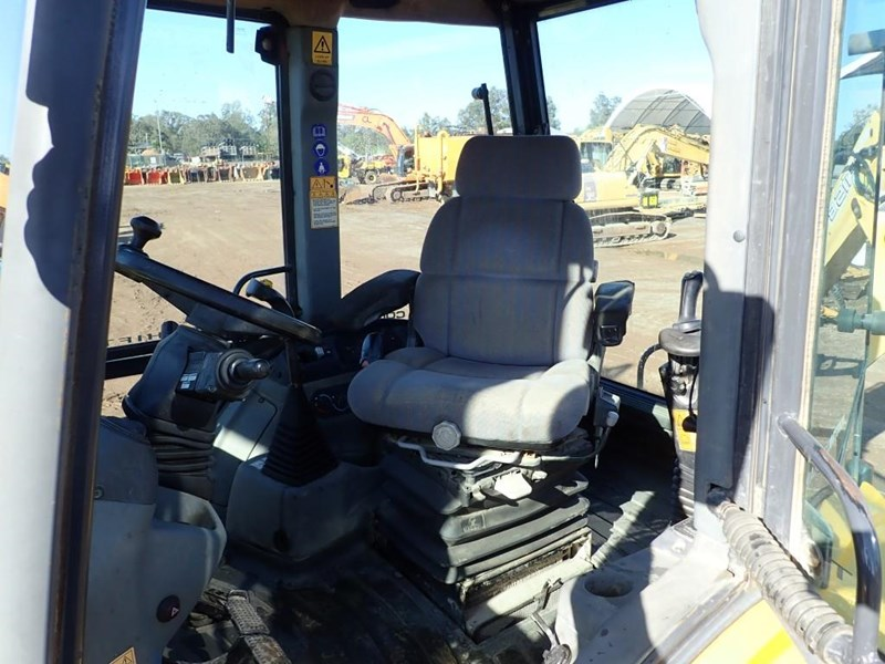 new holland lb115b 645104 014