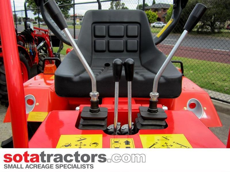 farmtrac 110hp cab tractor + 4 in 1 loader + backhoe 646221 009