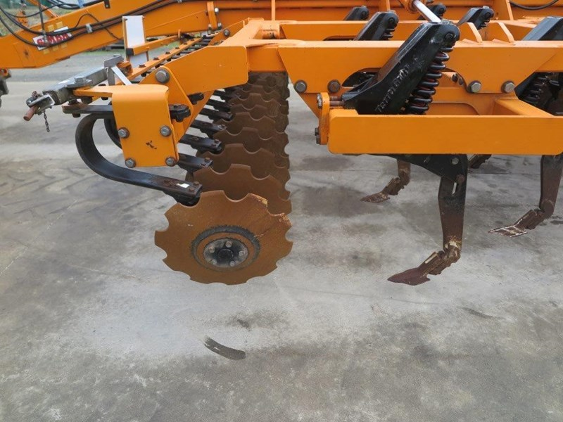 simba sl 500 disc/tyne/disc combination cultivator 651159 015