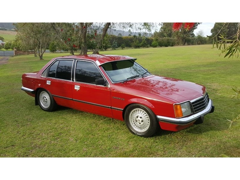 holden commodore 652694 004