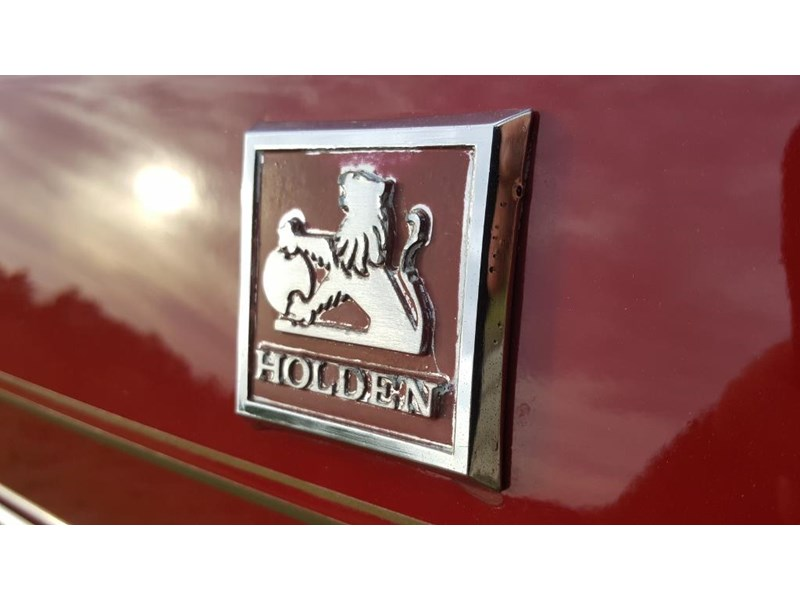 holden commodore 652694 014