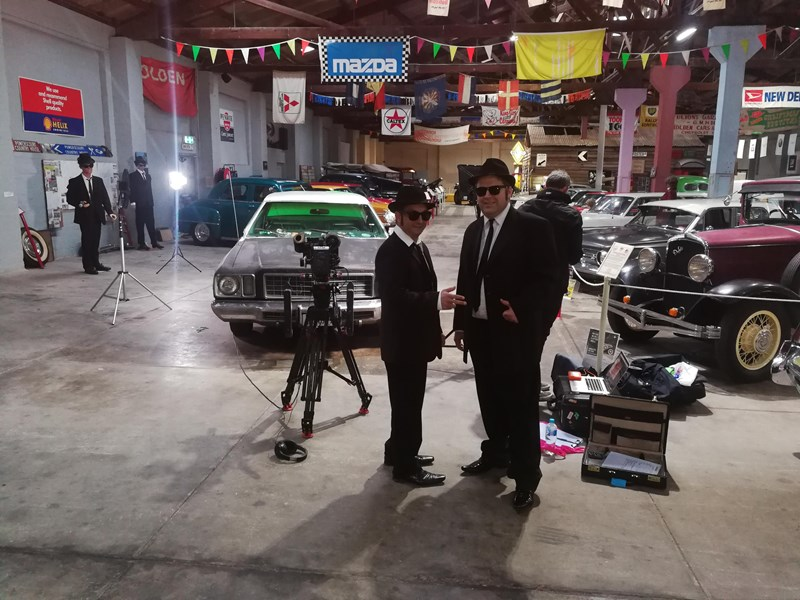 blues mobile blues brothers 468266 005