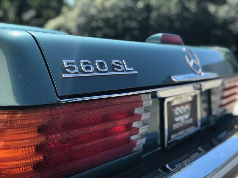 mercedes-benz 560sl 636868 029