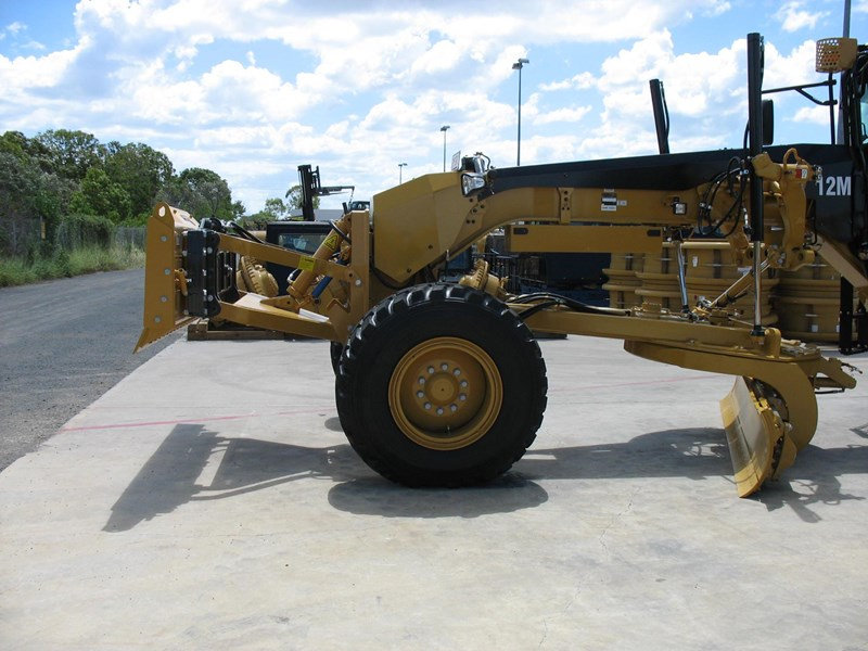 gessner gessner lewis front push blade. hydraulic lift option $16,500 + gst 216621 001