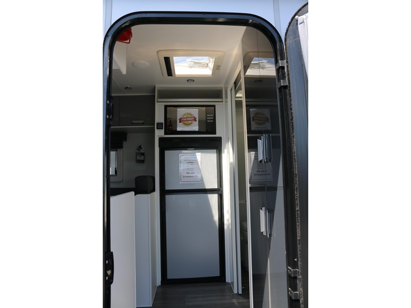 nextgen caravans greyline 21'6 side club 607398 009