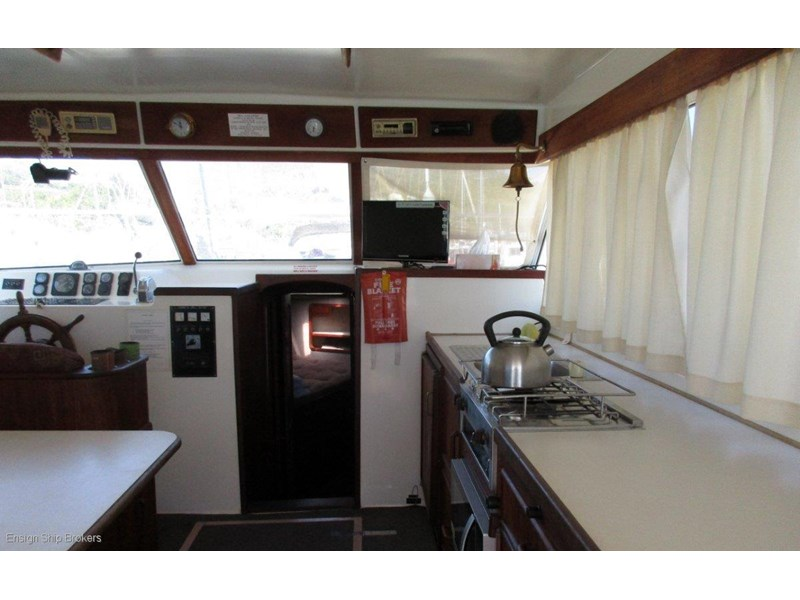 fairway 36 flybridge cruiser 415886 008