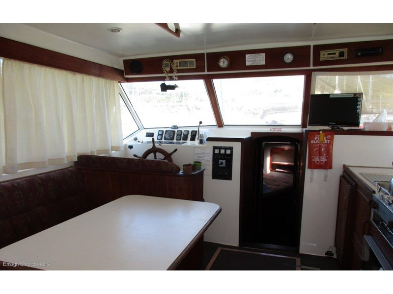fairway 36 flybridge cruiser 415886 013