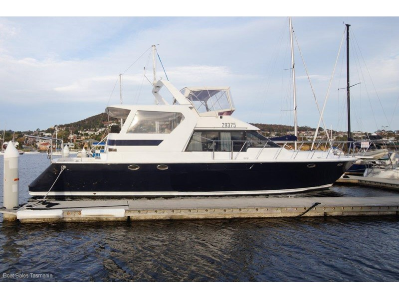 "prima 55 flybridge cruiser ""true blue"" 459627 005"