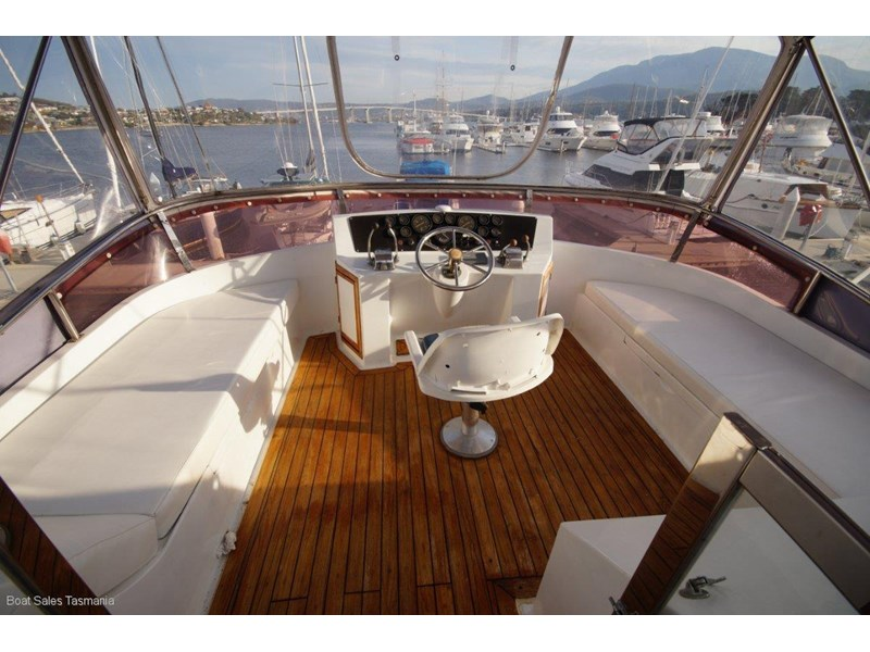 "prima 55 flybridge cruiser ""true blue"" 459627 014"