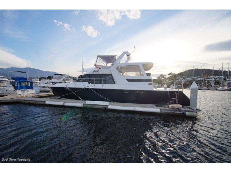 "prima 55 flybridge cruiser ""true blue"" 459627 030"