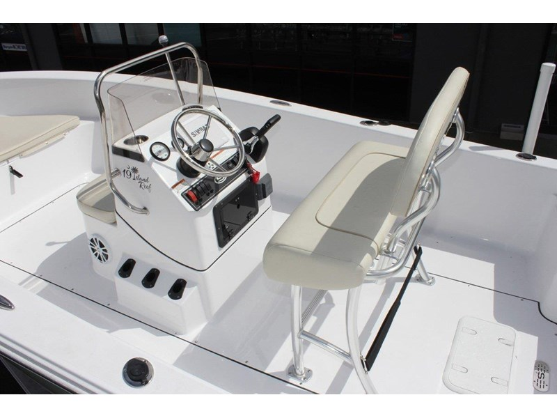 sportsman island reef 19 centre console 561683 009
