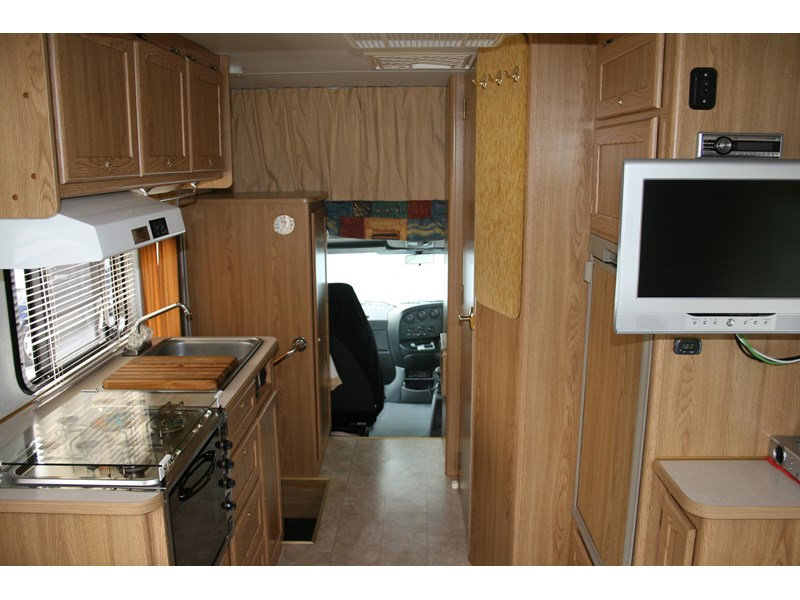 winnebago (avida) leisure seeker 661284 002