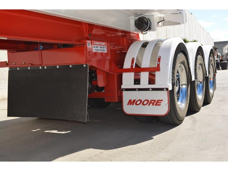moore sliding a lead - road train chassis tipper 661351 010