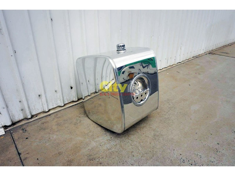 hydraulic oil tanks new kenworth polished alloy hyd oil tank 440048 004