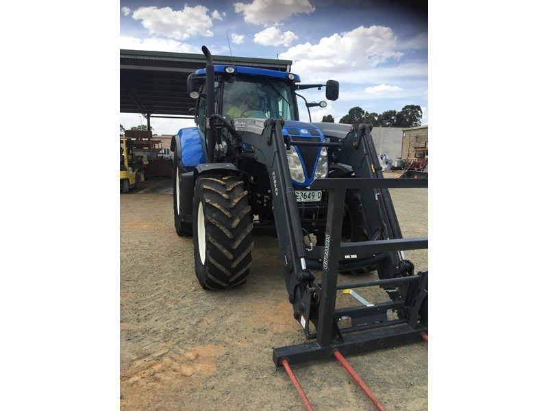 new holland t7.210 auto command 661736 001