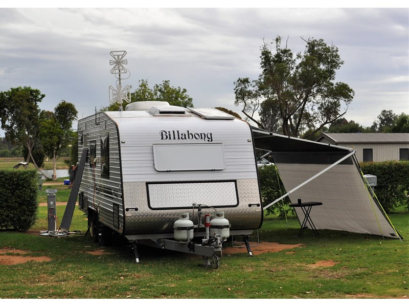 billabong custom caravans grove 186x 664237 001