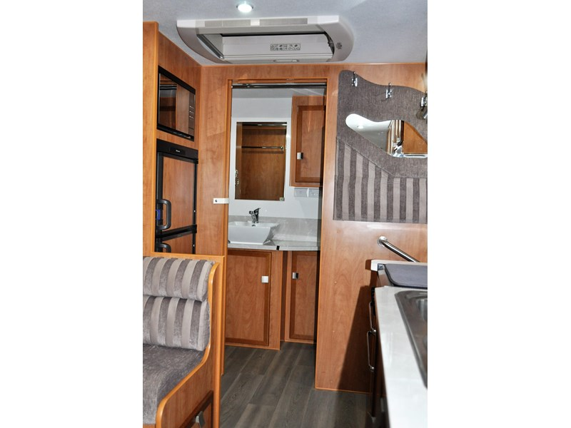 billabong custom caravans grove 186x 664237 005
