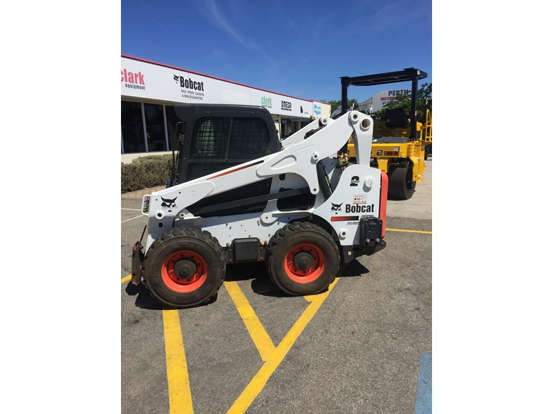 bobcat a770 (all wheel) - low hours 654904 001