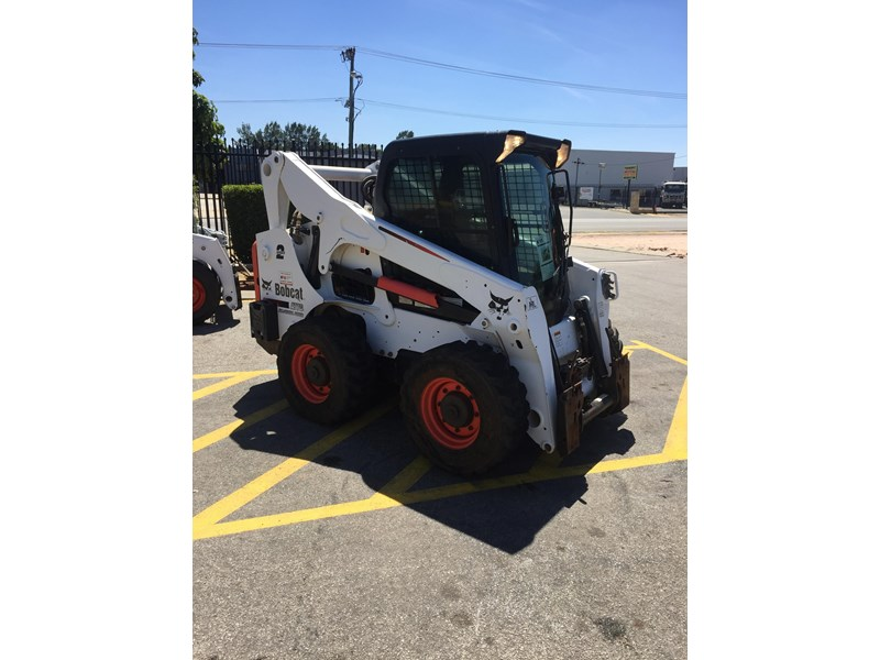 bobcat a770 (all wheel) - low hours 654904 008