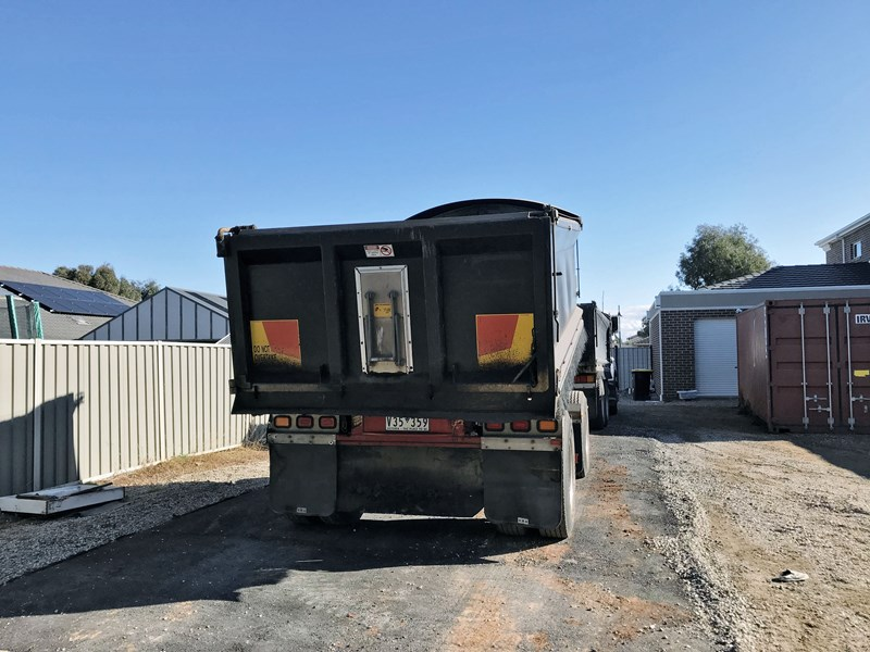gorski 2 axle tipper 669051 004