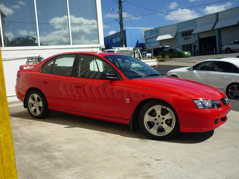 holden commodore 669002 003