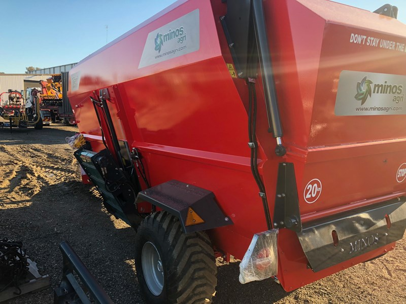 2019 MINOS AGRI TYYKM-12 HORIZONTAL FEED MIXER + DUAL 3 0M