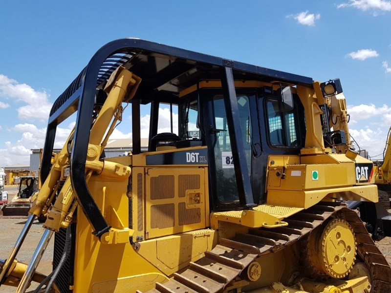 caterpillar d6t xl 666195 008