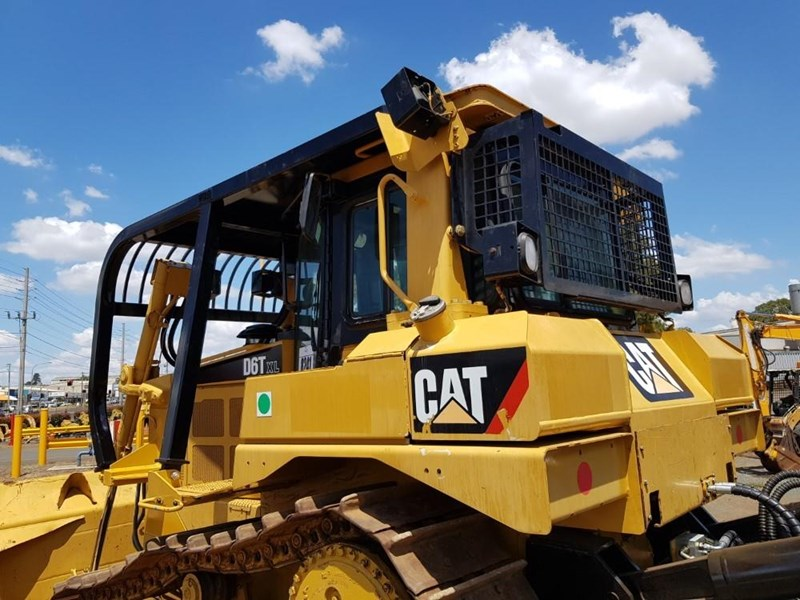 caterpillar d6t xl 666195 013