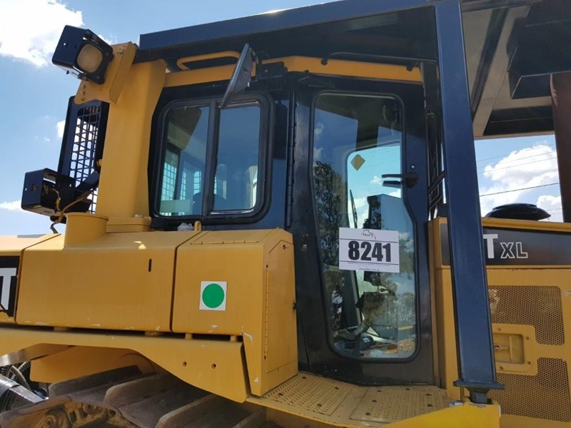 caterpillar d6t xl 666195 011