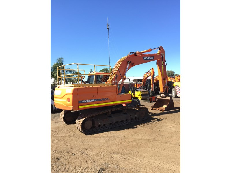 doosan dx225lc - excellent condition 654928 002