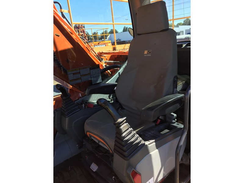 doosan dx225lc - excellent condition 654928 011