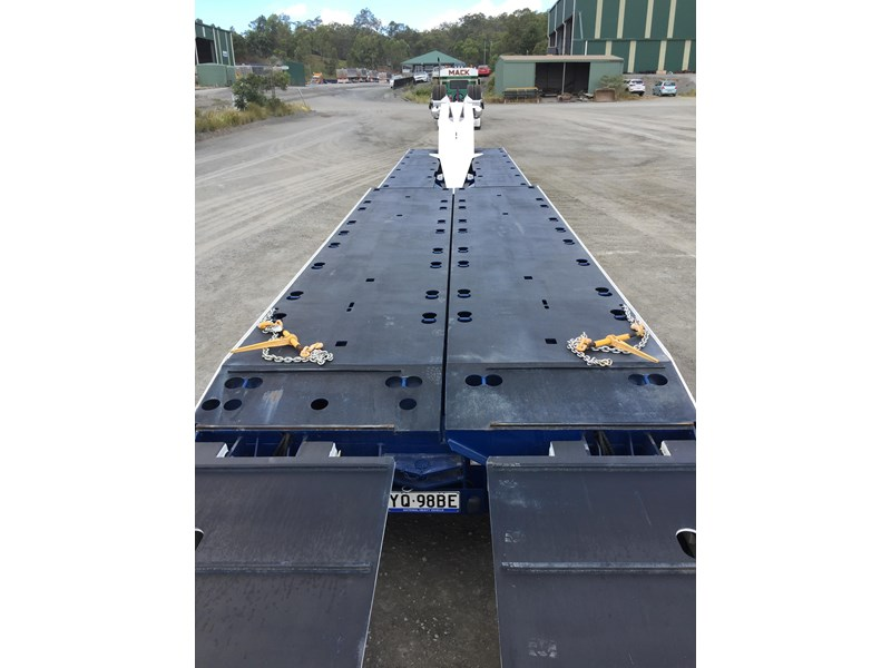 drake 4x8 swinging low loader 674684 031