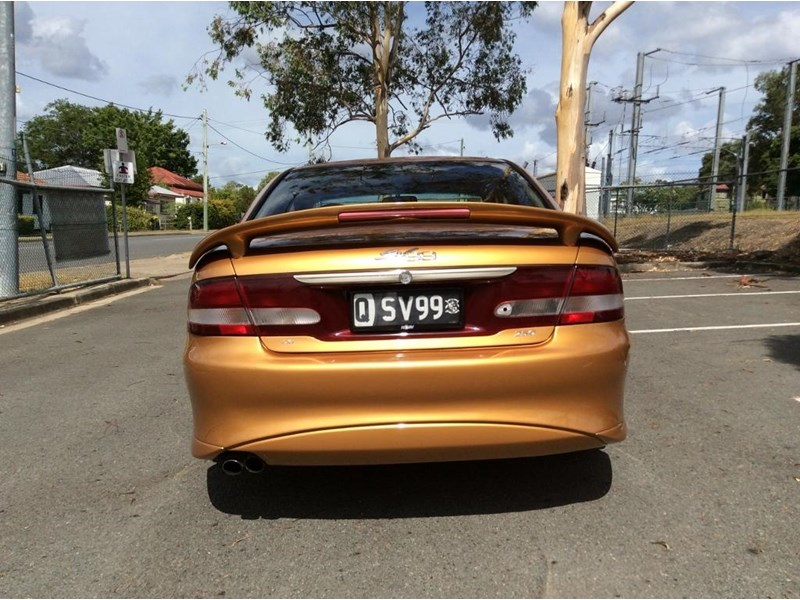 holden commodore 675227 006