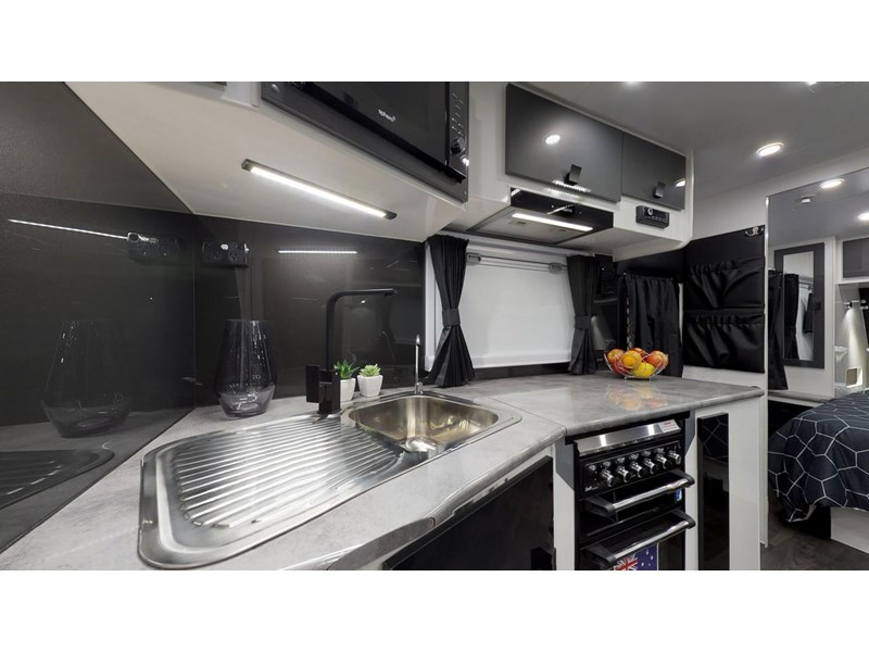 "other salute caravans sabre 20ft 6"" semi off road 676469 027"