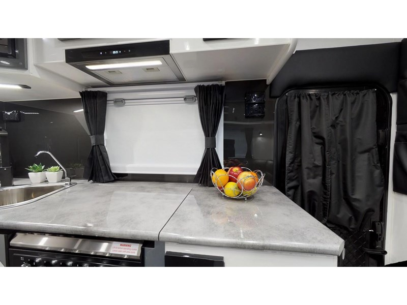"other salute caravans sabre 20ft 6"" semi off road 676469 029"
