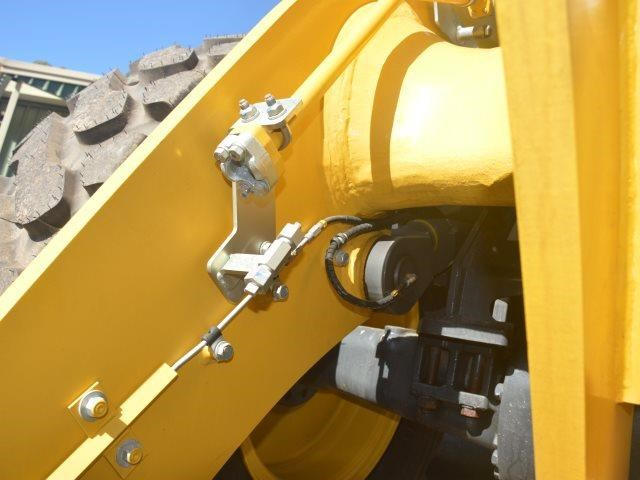 komatsu wa200-8 hitch, forks, 4in1 available 676713 013