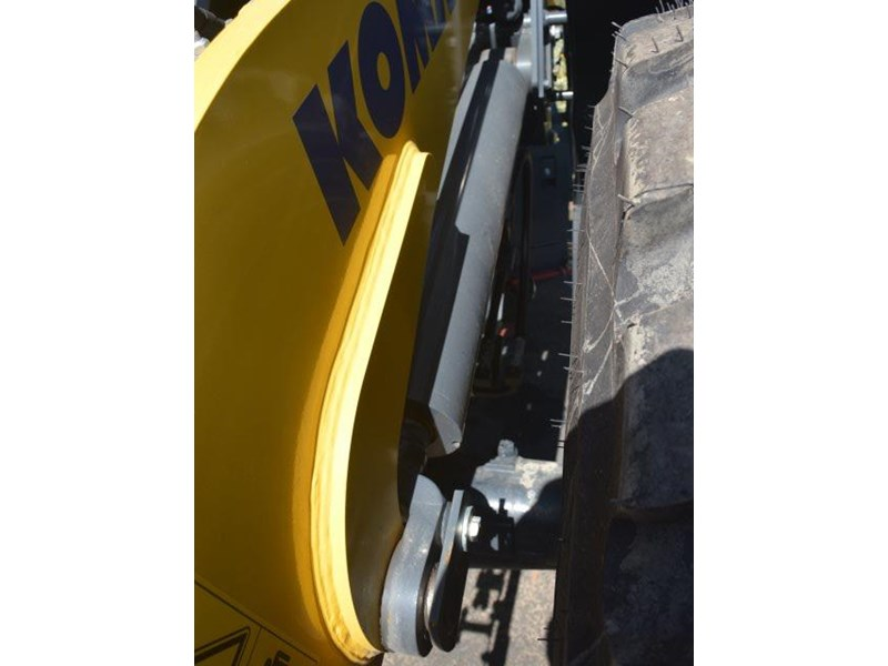 komatsu wa200-8 hitch, forks, 4in1 available 676713 015