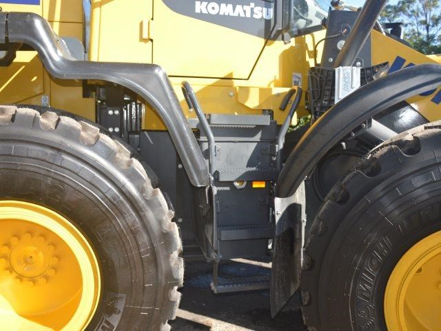 komatsu wa200-8 hitch, forks, 4in1 available 676713 027