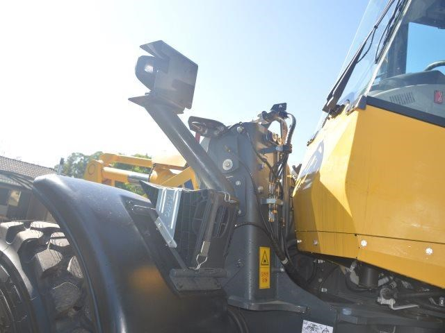 komatsu wa200-8 hitch, forks, 4in1 available 676713 037