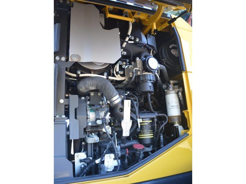 komatsu wa200-8 hitch, forks, 4in1 available 676713 077
