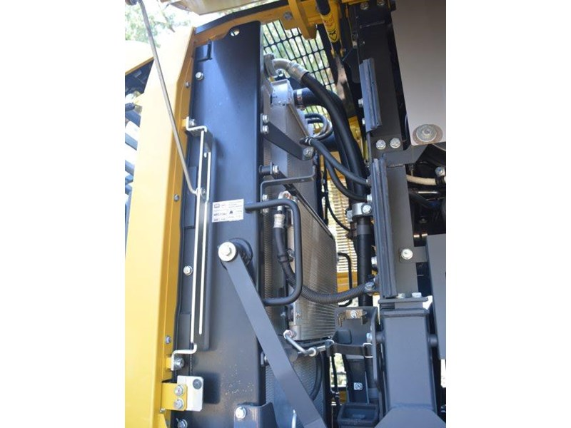 komatsu wa200-8 hitch, forks, 4in1 available 676713 078