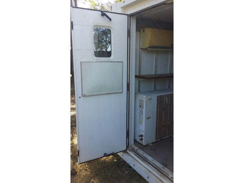 converted refrigerated container  6m twpu960301 677202 005