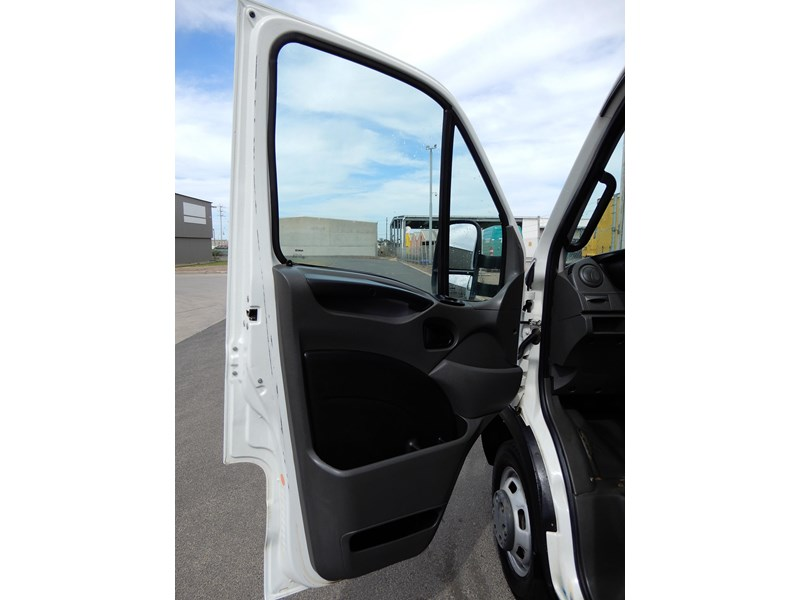iveco daily 45c17 675775 015