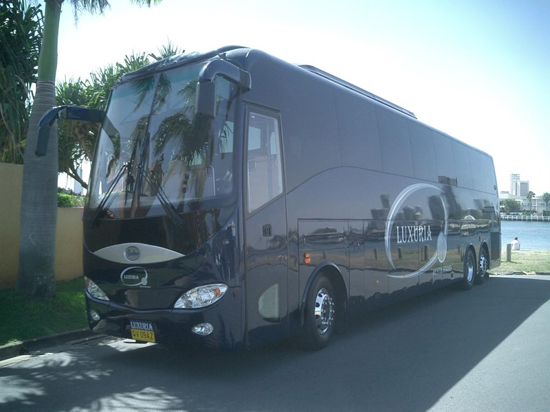 opulence the ultimate coach 678782 001